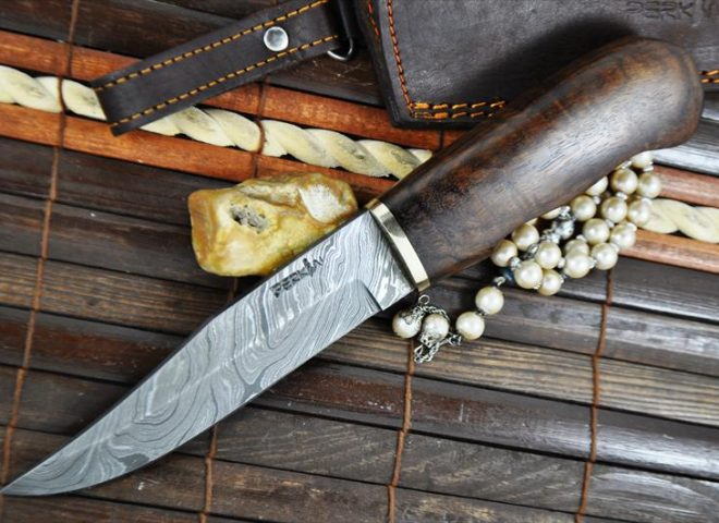 bushcraft-hunting-knife-handcrafted-damascus-steel-blade-2-205-p
