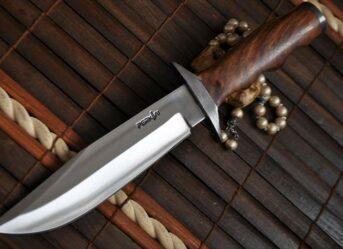 handmade-hunting-knife-440c-steel-damascus-guard-584-p