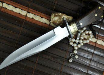 handmade-huting-knife-bowie-knife-440c-steel-walnut-wood-619-p