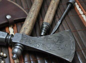 tomahawk-axe-hatchet-damascus-axe-custom-made-walnut-haft-with-brass-carving-excellent-workmanship-100-p