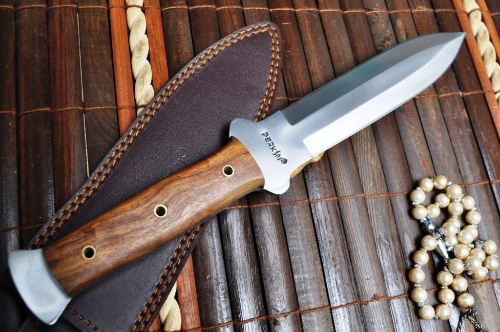 3-hunting-knives3