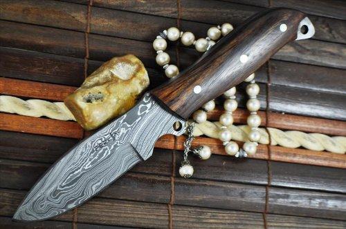 CUSTOM HANDMADE DAMASCUS HUNTING KNIFE - BEAUTIFUL CAMPING KNIFE - FULL TANG-AR1012
