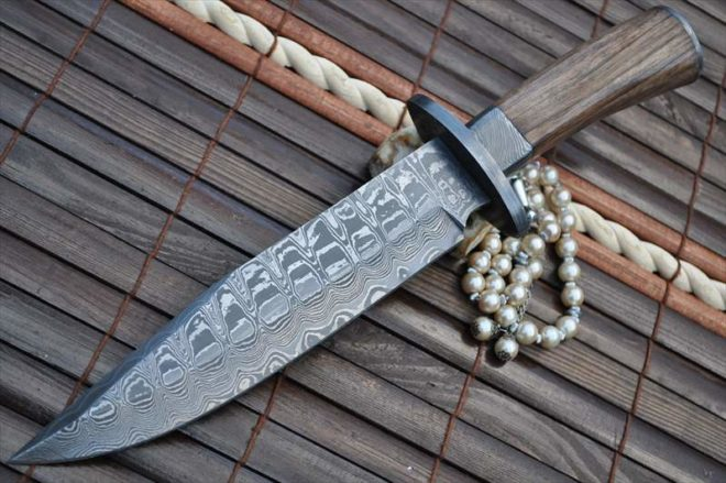 Damascus Hunting Knife with Burl Wood - Work of Art
