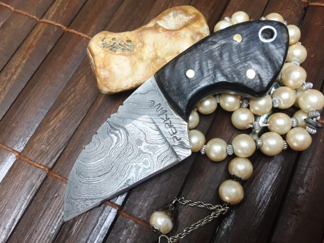 Handmade Damascus Steel Hunting Knife - Beautiful Neck Knife
