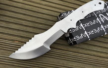 Handmade fixed blade hunting knife with sheath