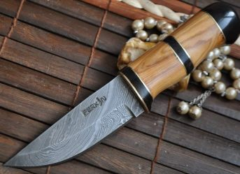 BUSHCRAFT KNIFE HANDMADE DAMASCUS STEEL QUALITY WORKMANSHIP