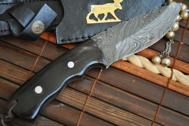 Custom Handmade Damascus Hunting Knife with Horn Handle