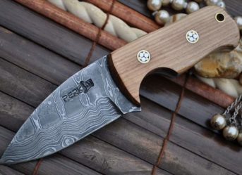 CUSTOM MADE DAMASCUS BUSHCRAFT KNIFE - NECK KNIFE