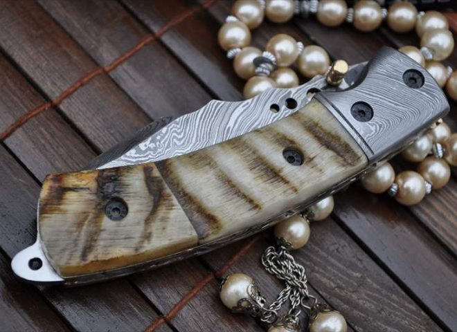 Damascus Folding Knife with Ram's Horn Handle - English Handmade Knives