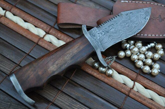 Commando Knife - Custom Made Damascus Hunting Knife