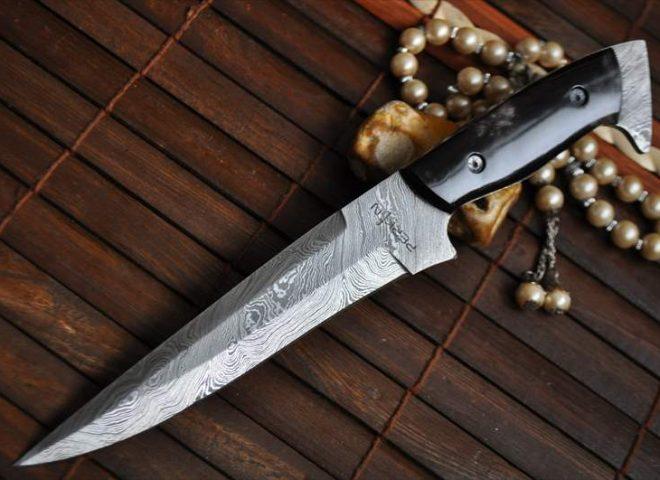 Custom Handmade Damascus Hunting Knife with Buffalo Horn Handle