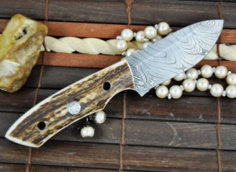 CUSTOM MADE DAMASCUS HUNTING KNIFE STAG ANTLER HANDLE