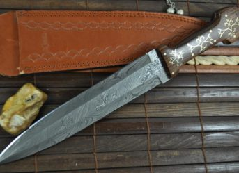 CUSTOM MADE DAMASCUS HUNTING KNIFE UNIQUE DESIGN