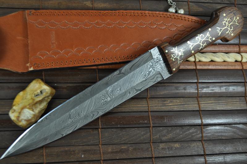 Custom Made Damascus Hunting Knife Unique Design Perkin