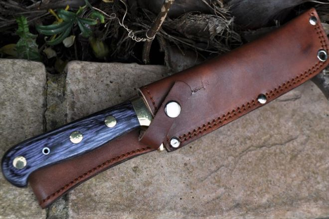 Damascus Handmade Hunting Knife With Root Wood Handle & Brass Guard