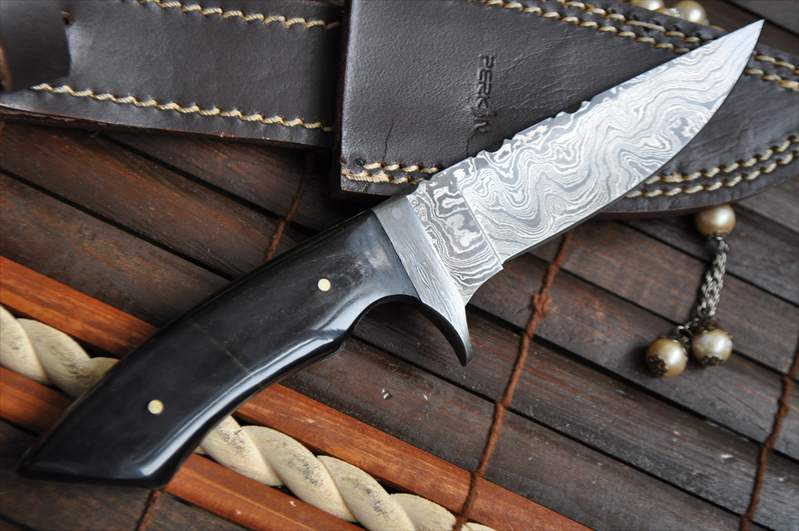 Damascus Hunting Knife With Filework On Knife Spine