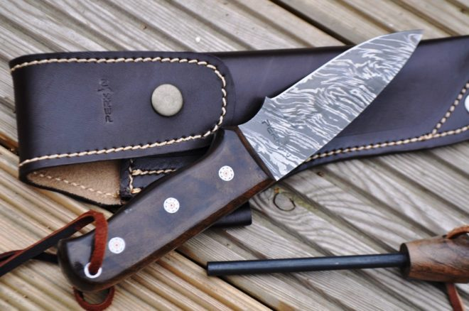 Full Tang Damascus Steel Hunting Knife With Fire Starter & Holster