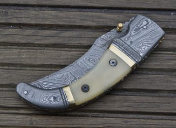 folding-hunting-knife-damascus-steel-blade-1325-p