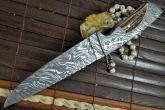 HANDMADE DAMASCUS HUNTING KNIFE, BEAUTIFUL WORKMANSHIP, FULL TANG KNIFE