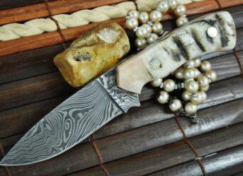 HANDMADE DAMASCUS HUNTING KNIFE - IDEAL FOR BUSHCRAFT & CAMPING - WBC100