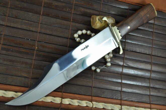 Beautiful Handmade Hunting Bowie Knife with 440c Steel & Burl Wood