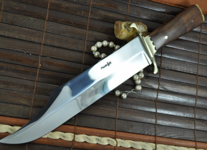 Beautiful Handmade Hunting Bowie Knife with 440c Steel & Burl Wood