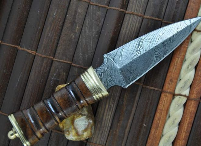 HANMADE DAMASCUS HUNTING KNIFE DOUBLE EDGE