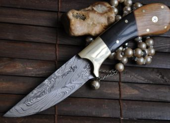 OUTSTANDING VALUE - HANDMADE DAMASCUS HUNTING KNIFE WITH ELEATHER SHEATH - AR114