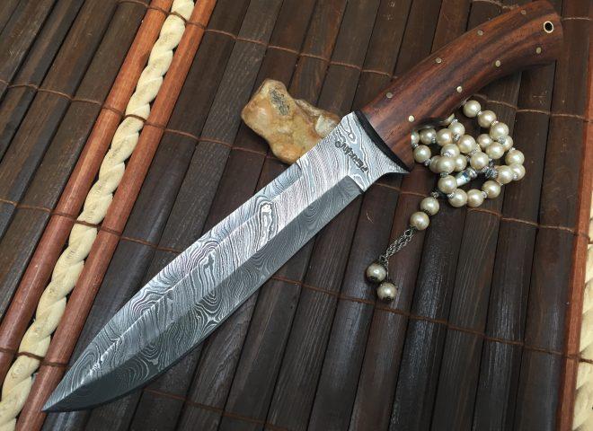 Custom Handmade Damascus Hunting Knife - Beautiful Bowie Knife