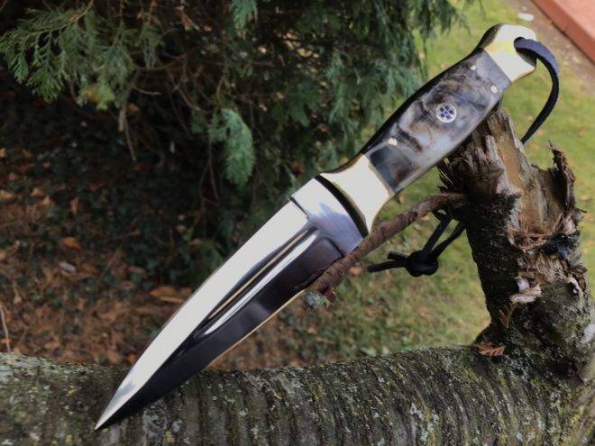 Hunting knife fixed blade with leather sheath Ram's horn handle double edge blade