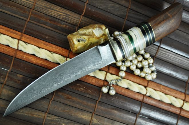 Handmade damascus steel fixed blade hunting knife with sheath