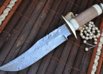 Bowie knife with sheath damascus steel handmade knife
