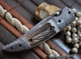 Damascus steel pocket knife folding knife with lock