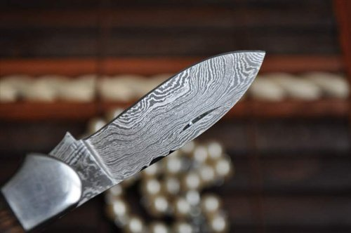 Damascus Steel Pocket Knife With Twin Blades