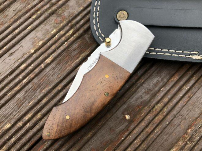 Pocket Knife for Men with Liner Lock Mechanism