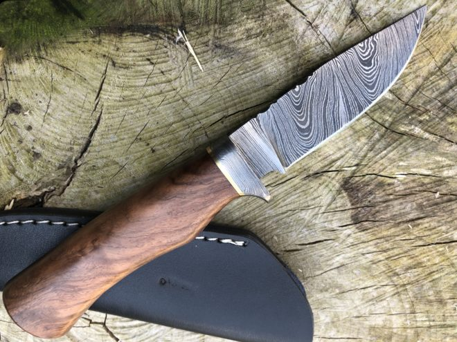 Perkin 7.5 Inches Damascus Steel Knife Hunting Knife with Sheath SK600