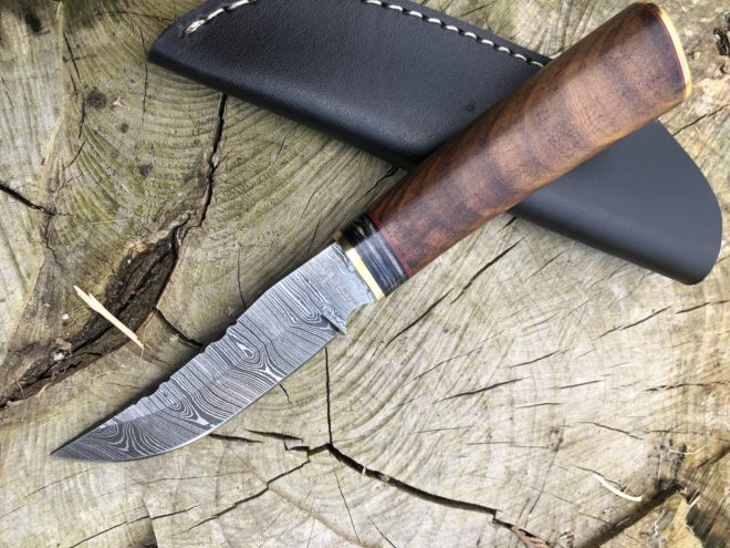 Perkin 7.5 Inches Damascus Steel Hunting Knife with Sheath SK900